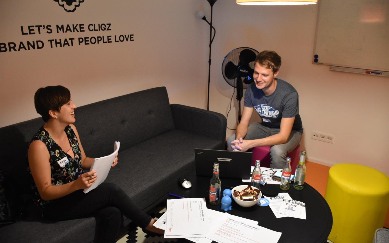 Lena und Tobias von Chip Digital waren positiv überrascht, dass die Tests besser liefen als erwartet (Bild: Cliqz).